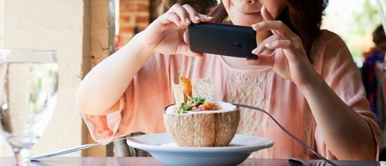 Blog_Suka-Memotret-Makanan-Kenali-Penyebab-dan-Bahayanya_825x355px