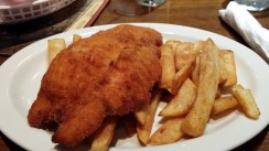 lone-star-steakhouse-and-saloon-tuggerah-restaurants-chicken-schnitzel-and-chips-6c9e-938x704