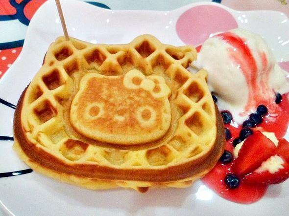 hello-kitty-waffle